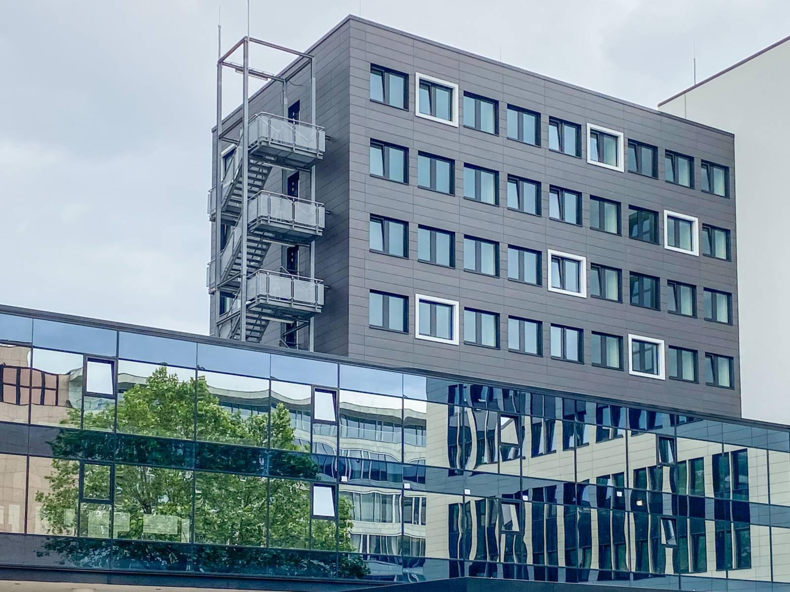 Fassade eines Bürogebäudes