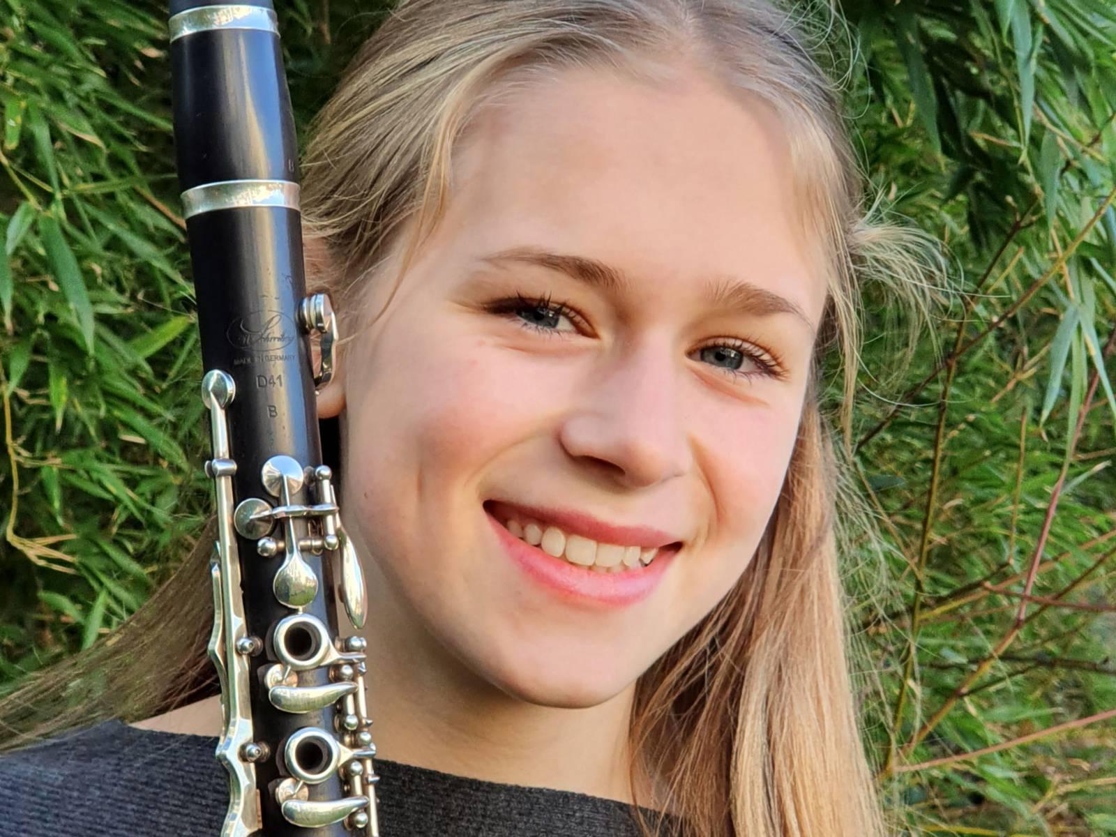 Ella Ziegltrum (Klarinette solo)