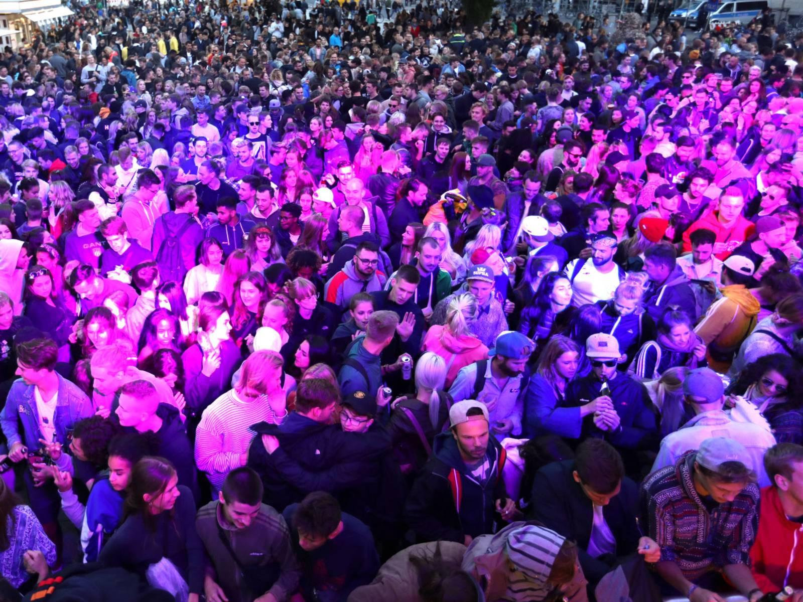 Auf vier Bühnen brachten 30 DJs und Live-Acts wieder viele Menschen zum Tanzen.