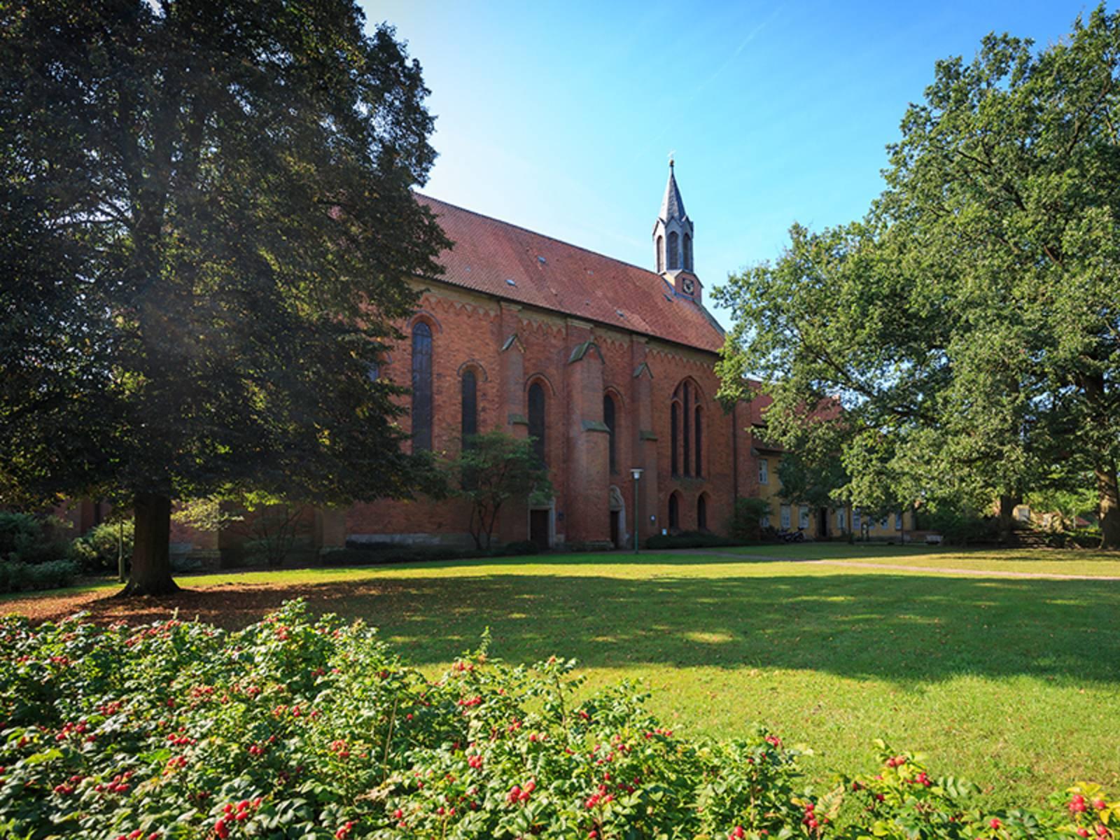 Kloster Mariensee: Evangelisches Frauenkloster in Mariensee, einem Ortsteil von Neustadt am Rübenberge