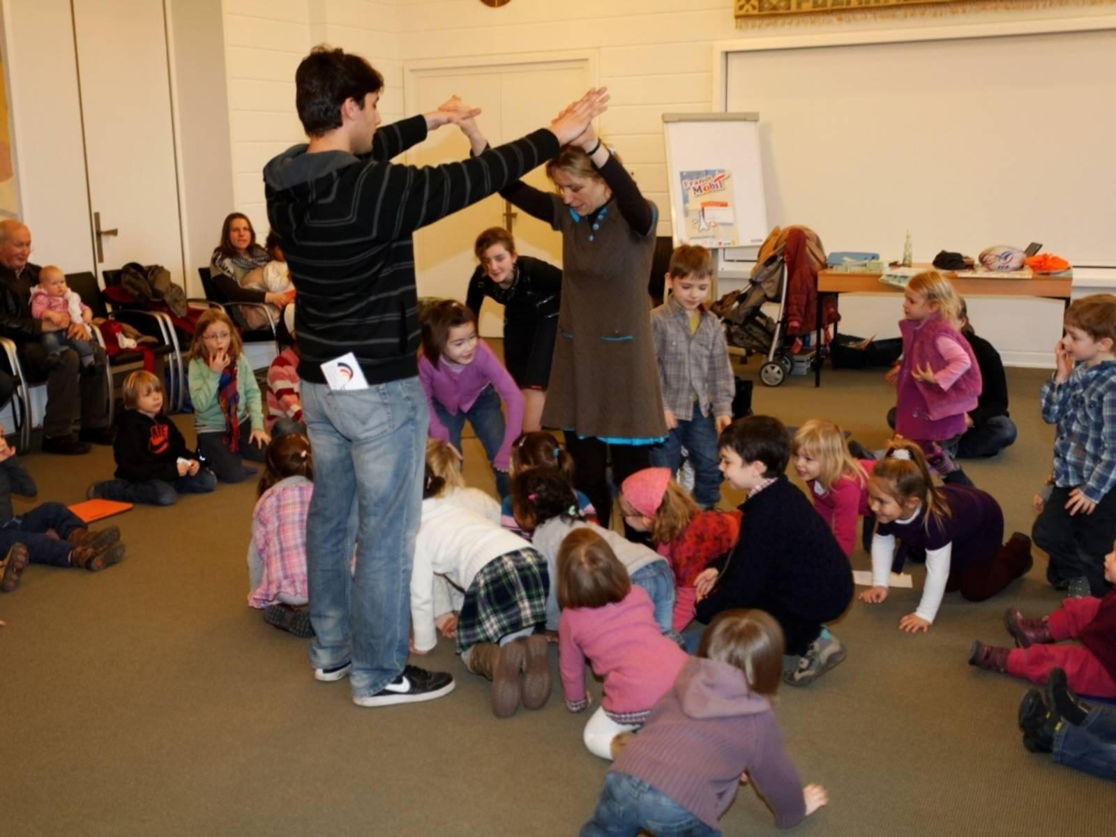Kreativer Kindertanz im Bürgerhaus