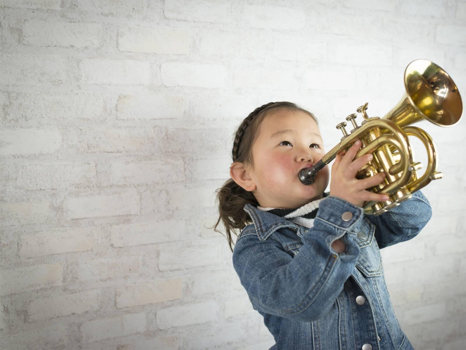 Bläserklasse steht für das Klassenmusizieren mit Orchesterblasinstrumenten.