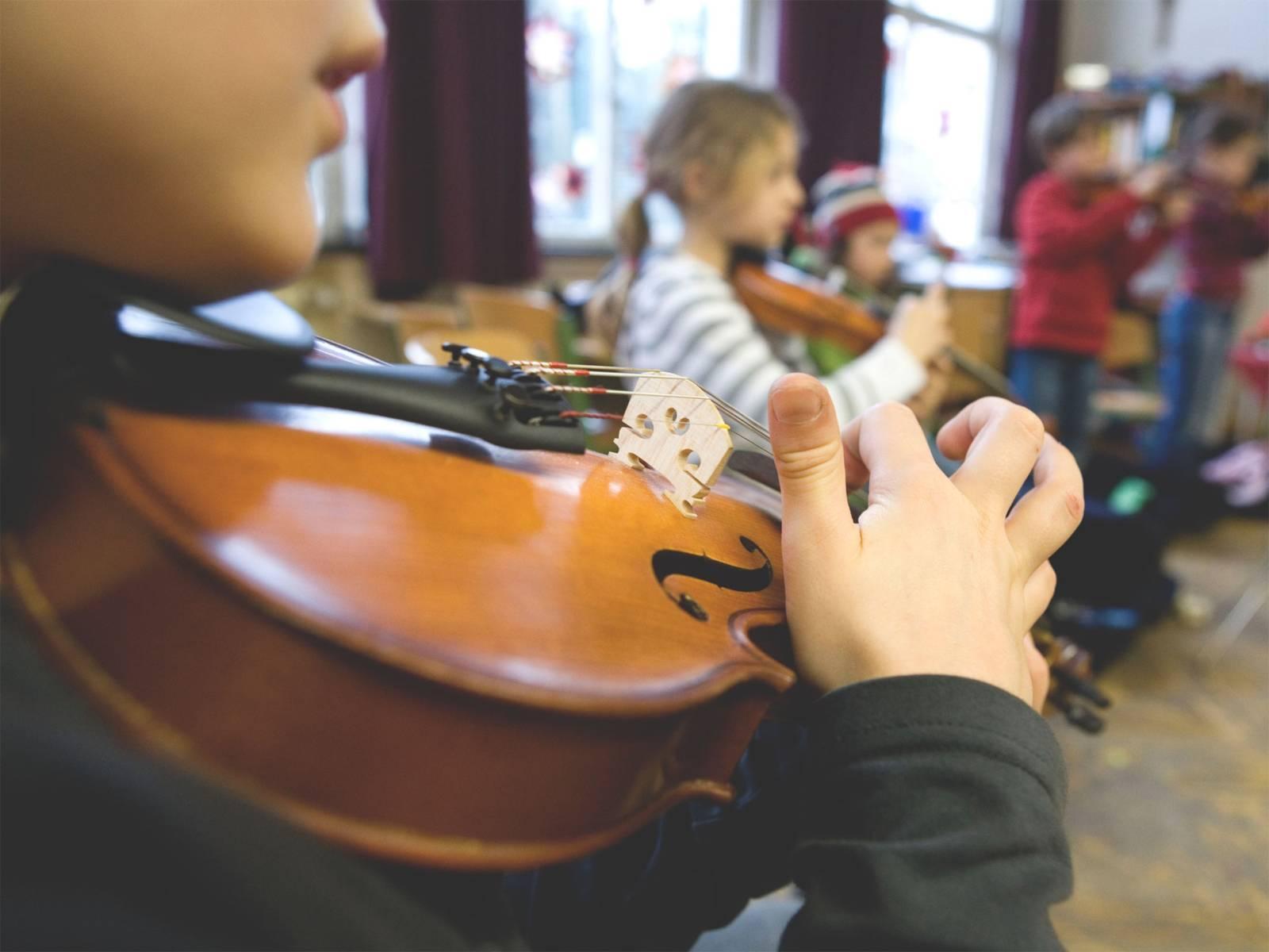 Streichinstrument Geige