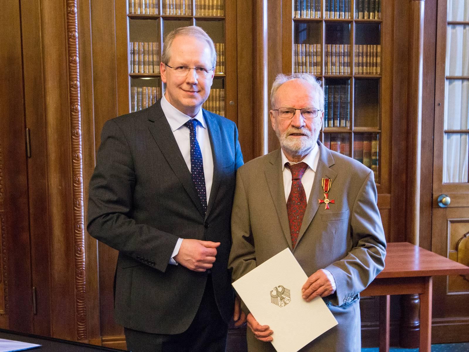 Oberbürgermeister Stefan Schostok und Dr. Christian Buhmann