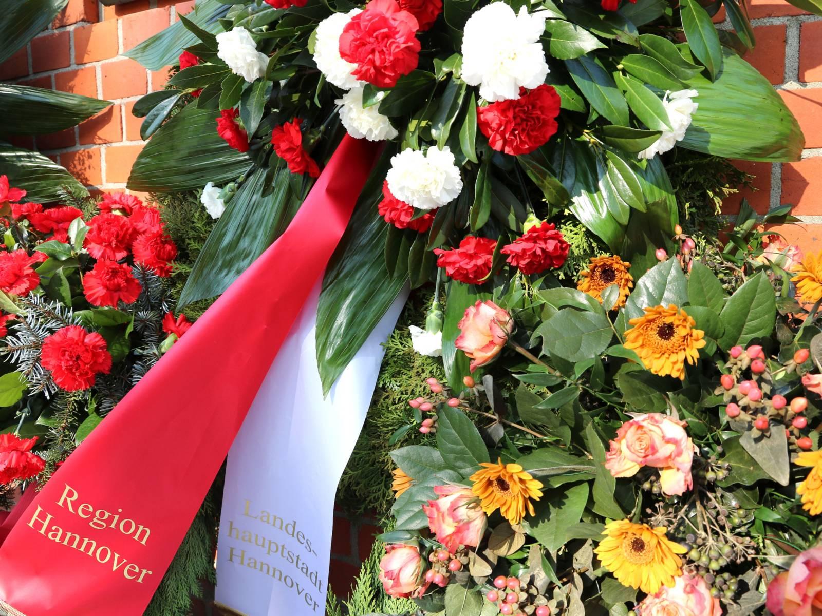 Die Region Hannover und die Landeshauptstadt Hannover erinnerten an die Deportation der Sinti und Roma aus Niedersachsen.