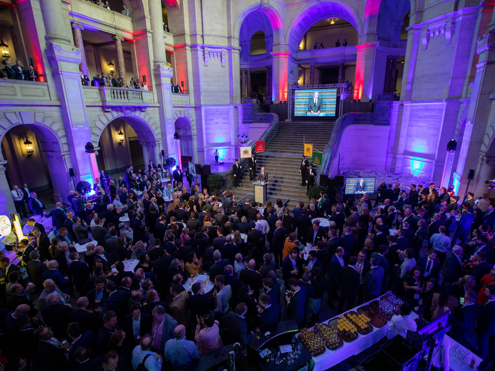 """Oberbürgermeister Stefan Schostok beim offiziellen Eröffnungsempfang der """"Routes Europe 2019"""" im Neuen Rathaus"""