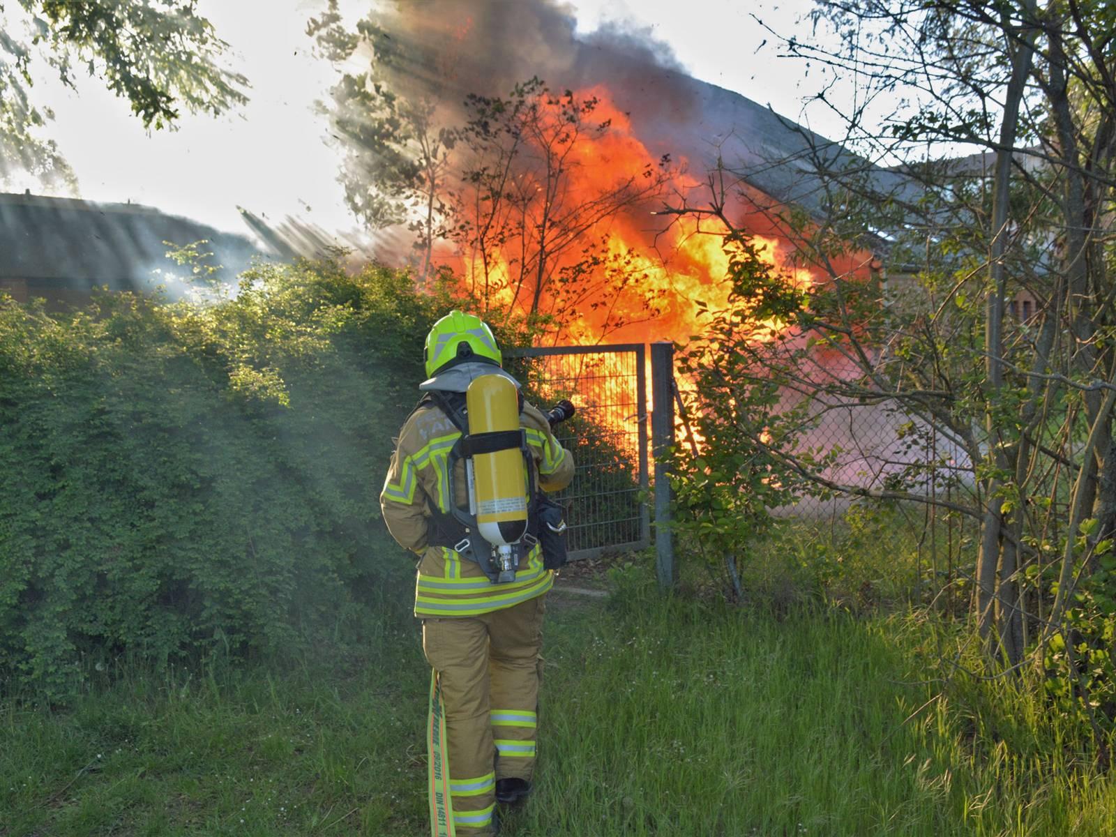 Am Montagabend brannte ein Geräteschuppen auf dem Gelände des städtischen Horts im Spielpark Roderbruch.