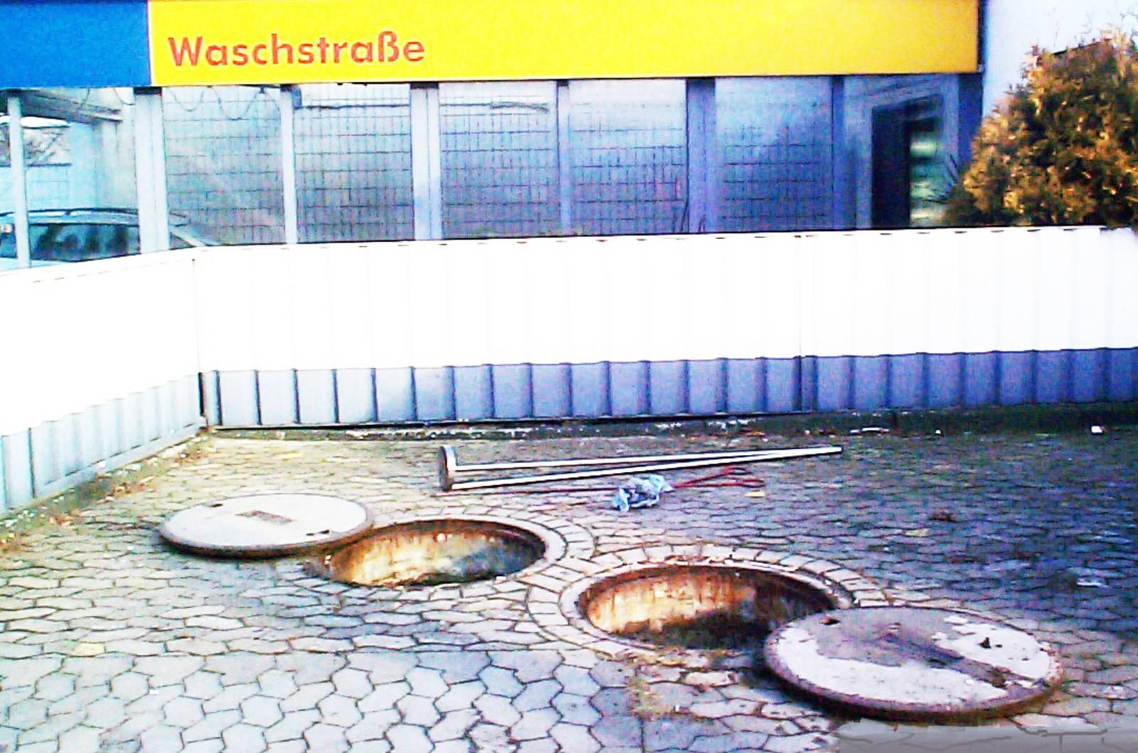 Indirekteinleiterkontrolle an einer Waschstraße
