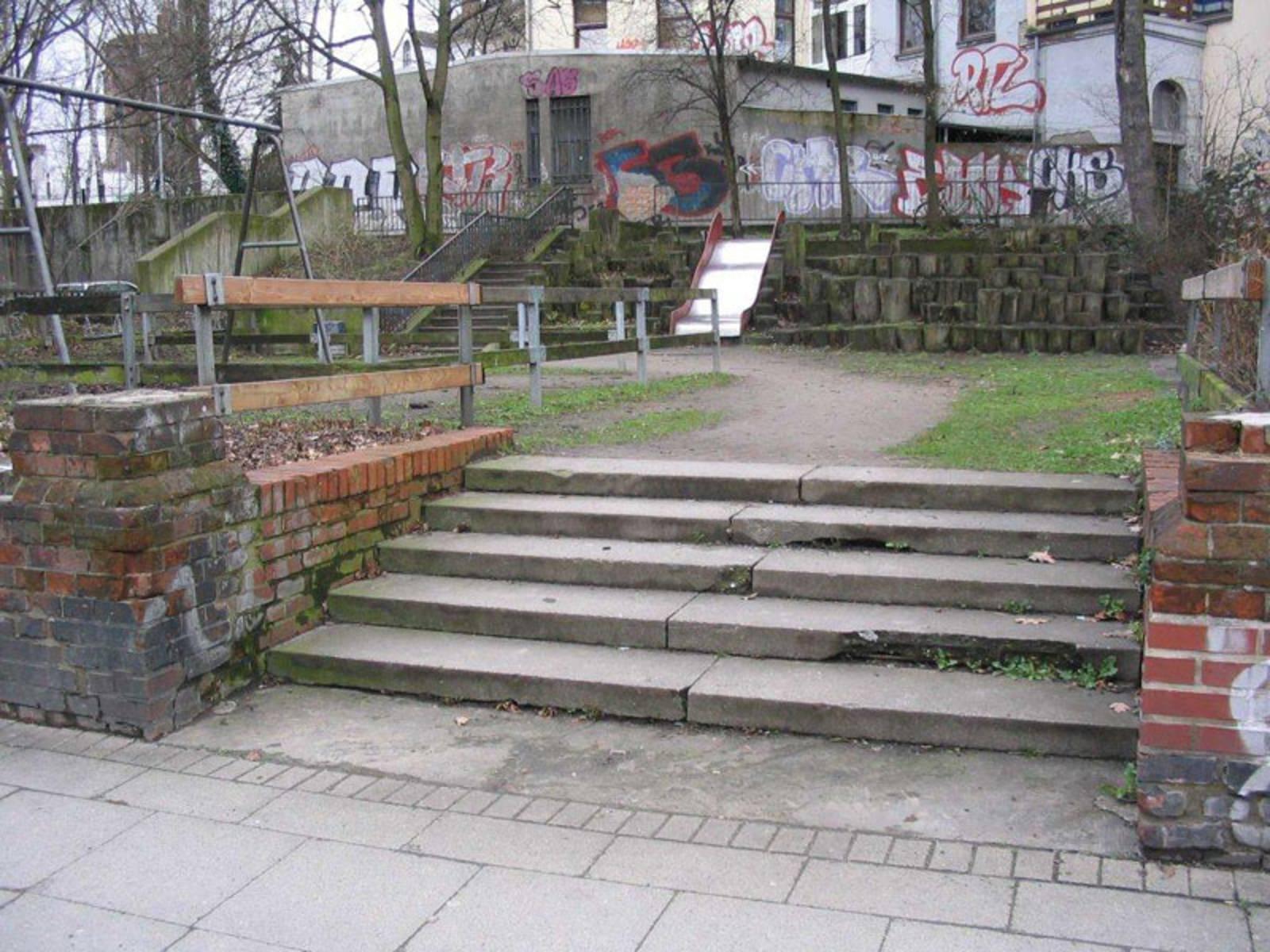 Treppe zum Spielplatz Milchgang