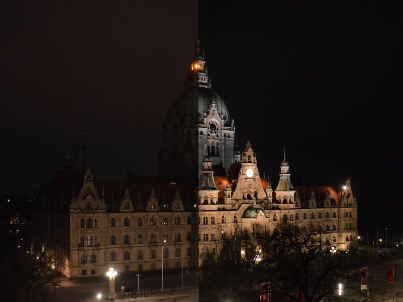 Das Neue Rathaus mit und ohne Beleuchtung