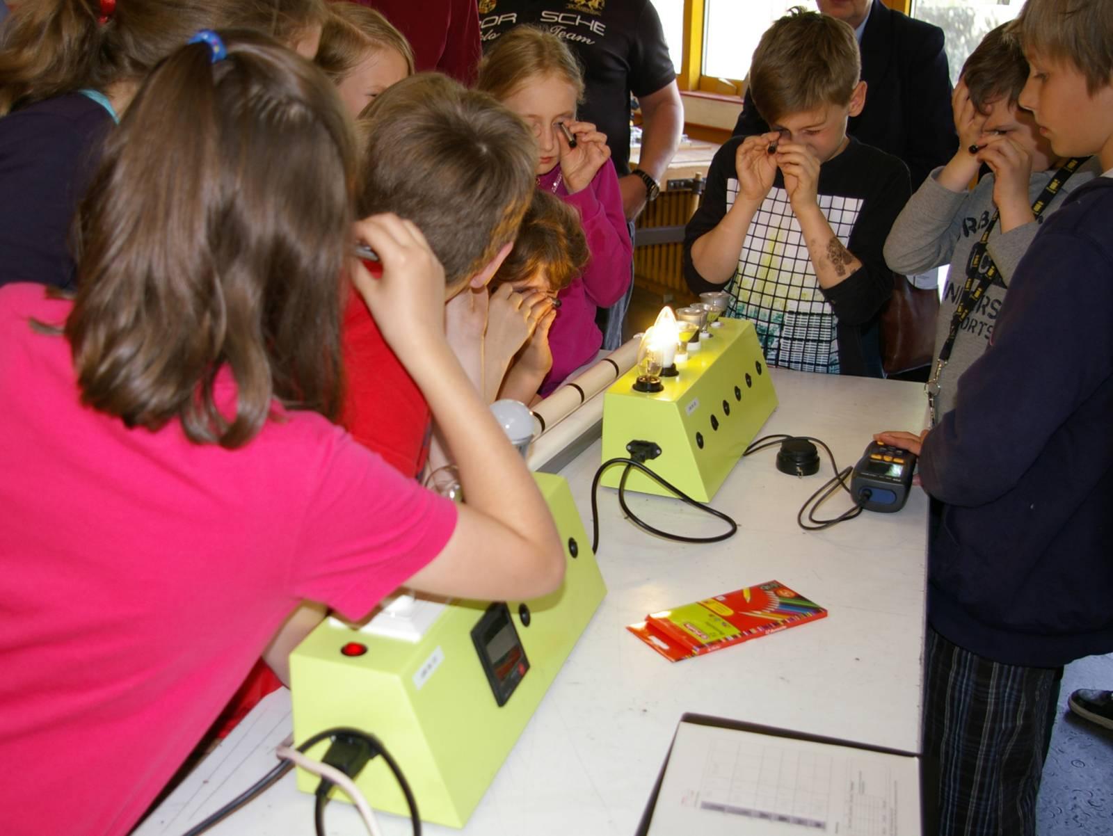 Schülerinnen und Schüler aus Hannovers Energiesparschulen