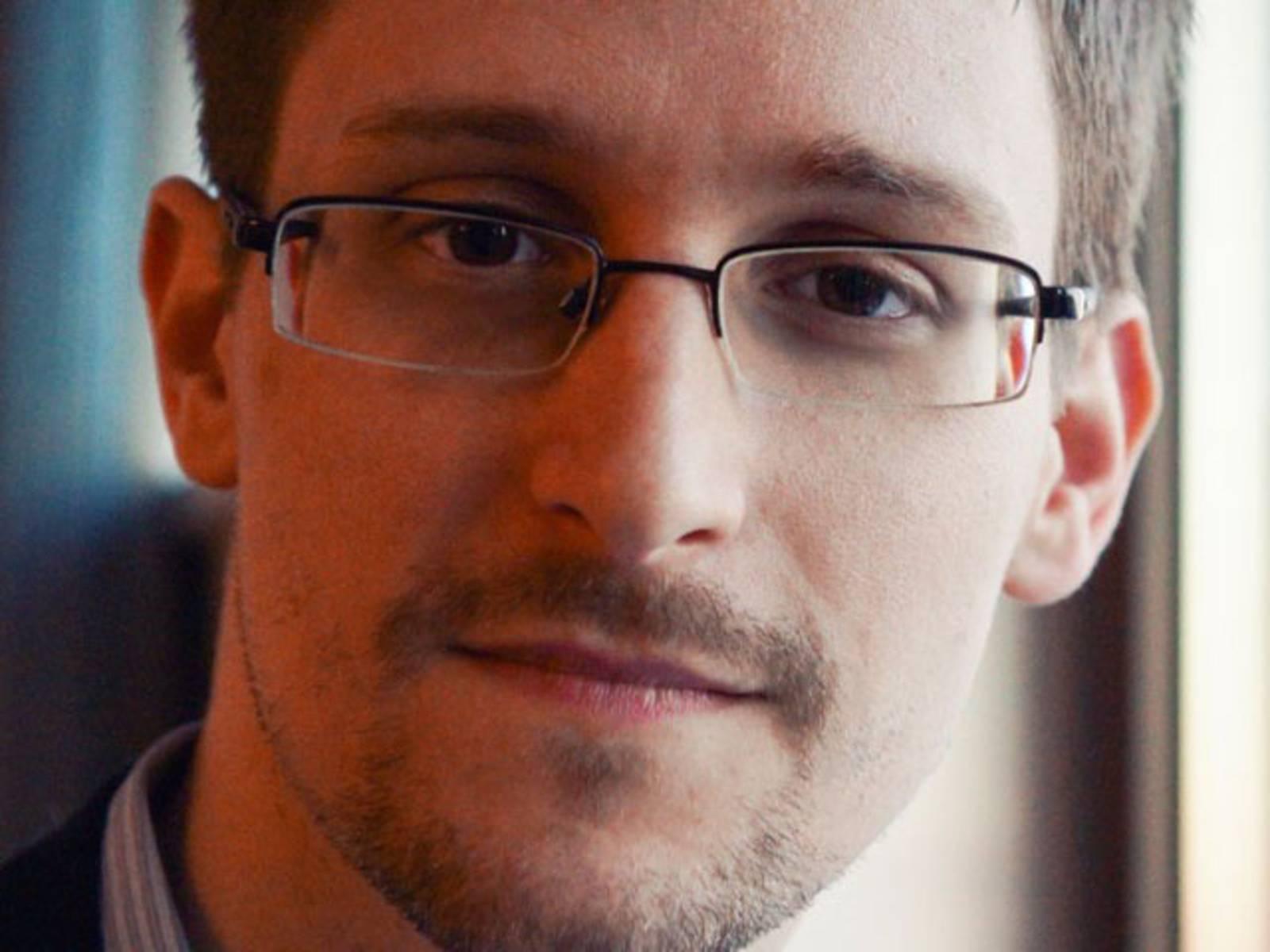 Porträtfoto eines Mannes mit Brille