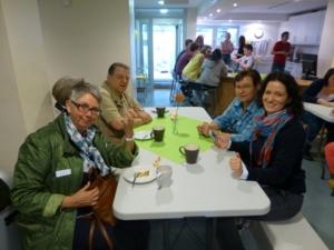 Auf dem Bild sind Bezirksbürgermeisterin Brigittte Schlienkamp, Bezirksratsherr Breitkreuz, Ingrid Ramolla (Ortsverein AWO) und Stadtbezirksmanagerin Anja Sufin zu sehen.