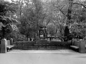 Das Hölty-Denkmal auf dem St.-Nikolai-Friedhof