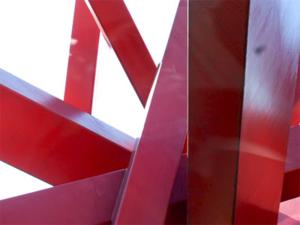 Symphony in Red, 2000 von John Raymond Henry (US-amerikanischer Bildender Künstler) auf dem Königsworther Platz