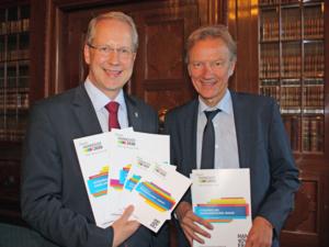Der OB Stefan Schostok und Baudezernent Uwe Bodemann präsentieren den Status quo-Bericht