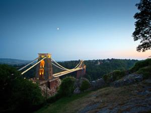 Brücke im Abendlicht