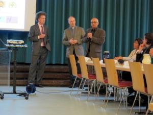 Foto von drei Vertretern des Hauses der Religionen. Von links: Wolfgang Reinboldt, Martin Tenge, Ali Faridi