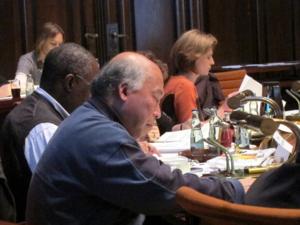 Die beratenden Mitglieder Lam, Bankole und Dr. Sekler  in der Sitzung des Migrationsausschusses am 13.10.2011
