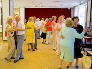 Eine Tanzveranstaltung im Margot-Engelke-Zentrum