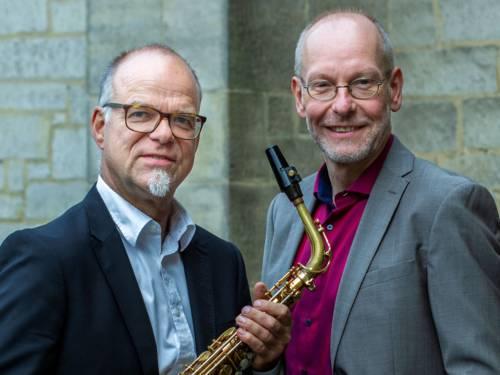Zwei Männer mit Saxophon