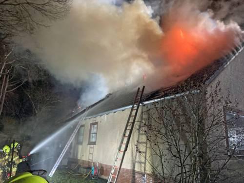 Ein brennendes Haus