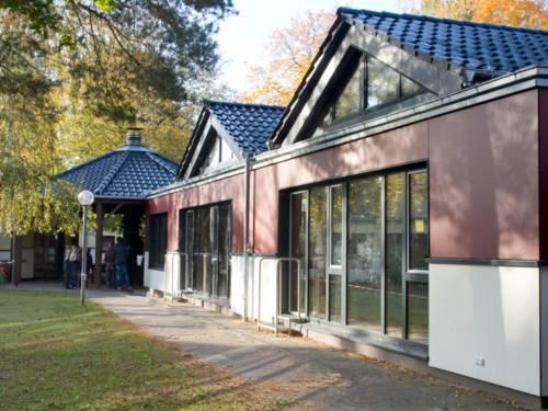 Außenansicht des Jugend- Gäste- und Seminarhauses in Wedemark-Gailhof, Blick aus dem Innenhof.
