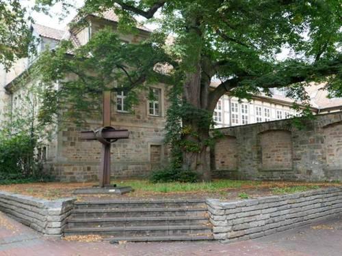 KV Barsinghausen / Freifläche in der Fußgängerzone am Kloster