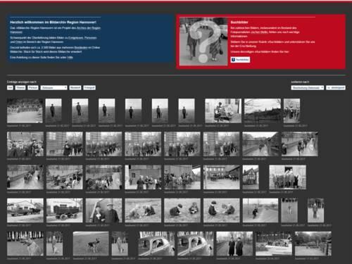Die Startseite eines Online-Bildportals mit kleinen Vorschaubildern und Suchleiste.