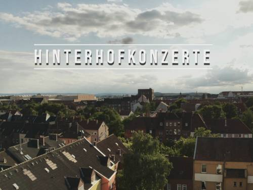 "Screenshot aus einem Video namens ""Hinterhofkonzerte"""