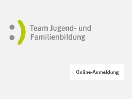 """Schriftzug """"Team Jugend- und Familienbildung"""" mit Punkten und einem Strich. Drunter steht das Wort """"Online-Anmeldung"""""""