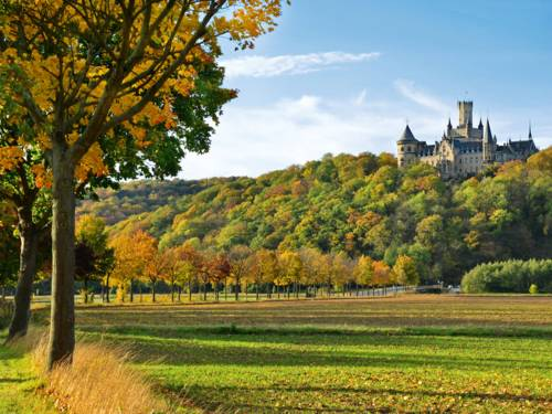 Schloss Marienburg Herbst
