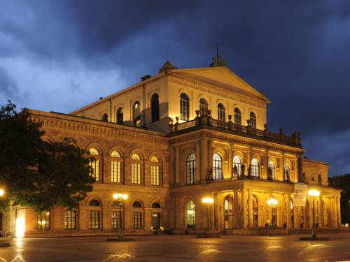 Oper Hannover bei Nacht