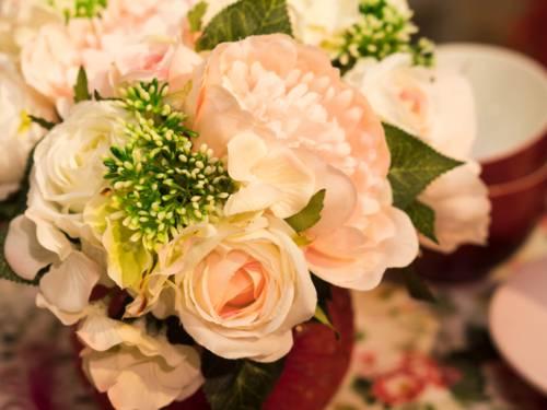 Blumen als Brautstrauß gesteckt