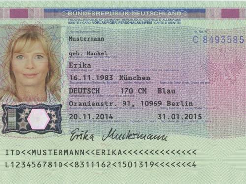Muster eines vorläufigen Personalausweis, bei dem links ein Foto einer Frau abgebildet ist und rechts die dazugehörigen persönlichen Daten.