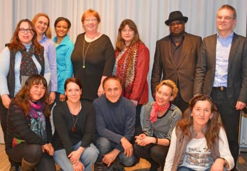 Auf dem Bild sind einige Mitglieder des Integrationsbeirates Döhren-Wülfel zu sehen.