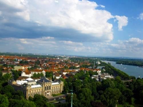 Luftaufnahme des Stadtbezirks Südstadt-Bult.