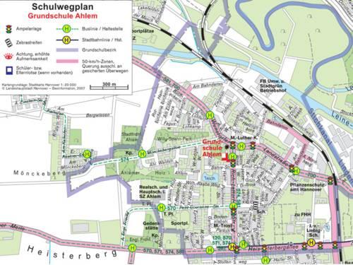Ein Schulwegplan zeigt mögliche schwierige Verkehrssituationen in der Karte auf