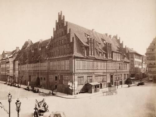 Bis 1992 war das Stadtarchiv im Alten Rathaus untergebracht.
