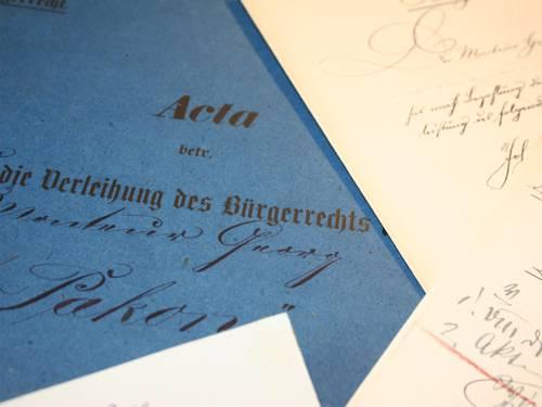 Im Stadtarchiv Hannover werden derzeit rund 20.000 Bürgerrechtsakten verwahrt.