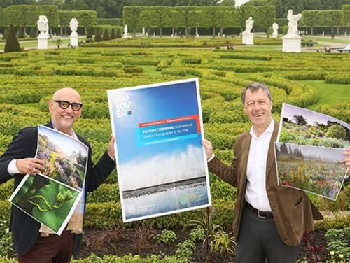 Ronald Clark (li.) und Hans Nolte beim Start des Fotowettbewerbs