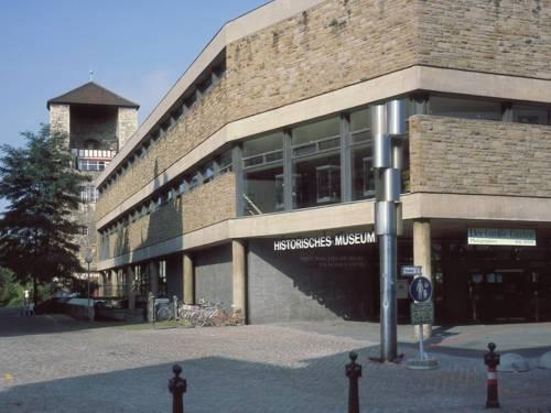 Historisches Museum, Am hohen Ufer, Eingang Burgstraße
