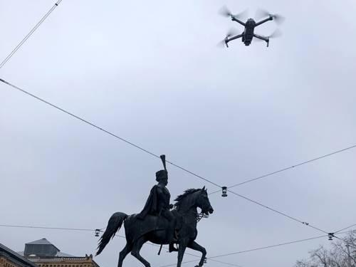 Fotografische Aufnahme des Ernst-August-Denkmals mit Hilfe einer Drohne