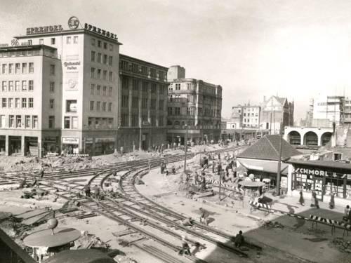 Emil Gildhorn: Der Platz am Café Kröpcke mit der Georgstraße und dem Europa-Haus