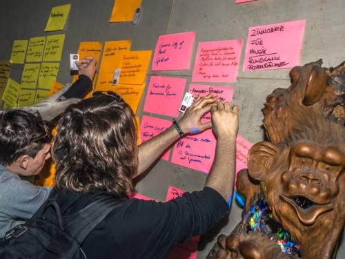 Arbeitstreffen im Monkey's am Raschplatz