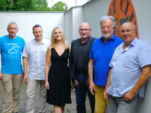 Neuer Vorstand des Jazz Clubs Hannover v.l.n.r.: Martin Reuter, René Rooimans, Vanessa Erstmann, Michael Emmert,Uwe Thedsen, Lothar Krist