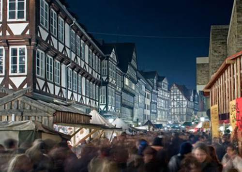 Weihnachtsmarkt Hannover: Blick in die Burgstraße
