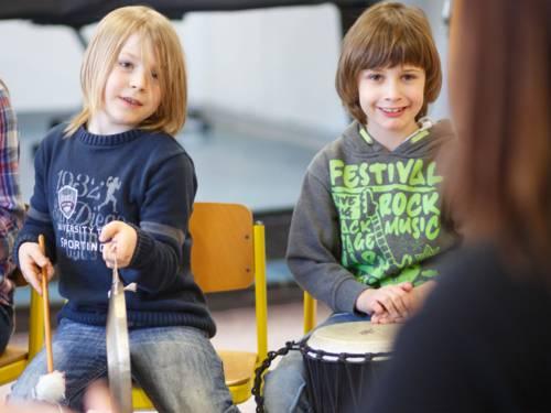 Elementare Instrumente zum Klingen bringen