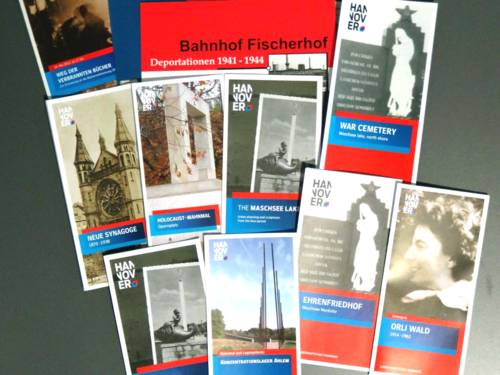Auswahl von Flyern der Städtischen Erinnerungskultur