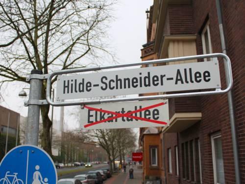 Straßenschild Hilde-Schneider-Allee